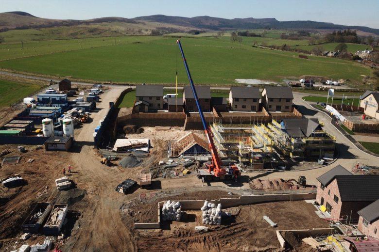 Crane-hire-house-builders-main